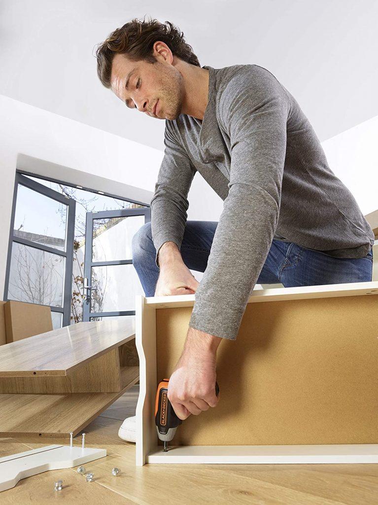 Ensamble y monte muebles con facilidad con BCF611CK-QW